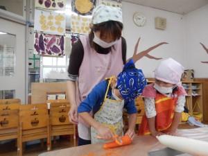 野菜切り(4歳児)②