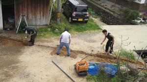 排水の確保(パイプの埋設)